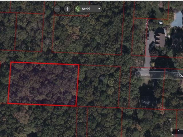 Lot <b>Size:</b> 106.3x196 Land style home in Middle Island