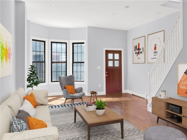 4 BR,  4.00 BTH Colonial style home in East New York