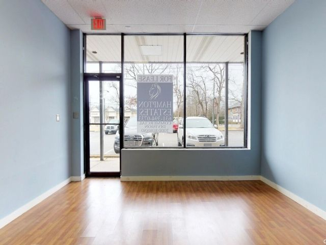 Studio,  0.00 BTH Commercial style home in Westhampton Bch