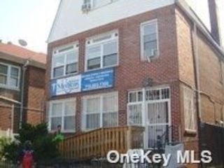 2 BR,  1.00 BTH 2 story style home in Jackson Heights