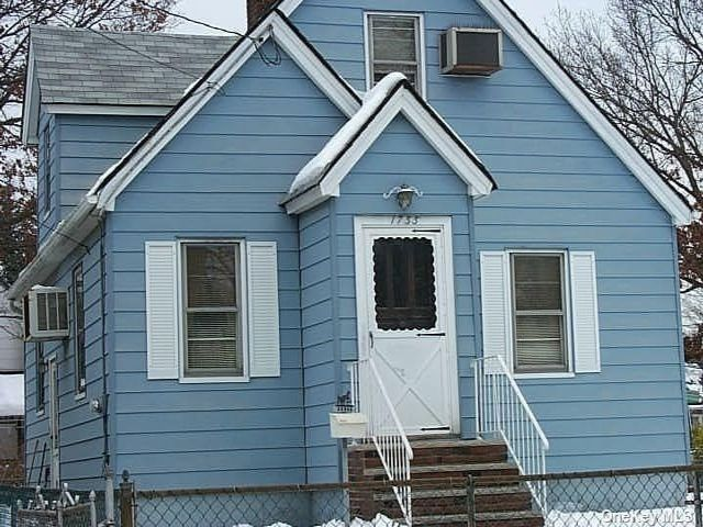[Merrick Real Estate, listing number 3184821]