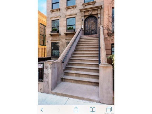 2 BR,  2.00 BTH  Townhouse style home in Carroll Gardens