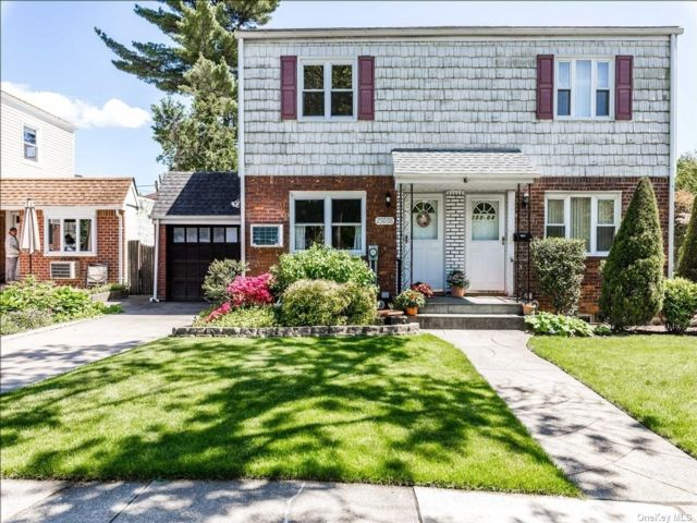 2 BR,  1.00 BTH Semi detached style home in Bellerose