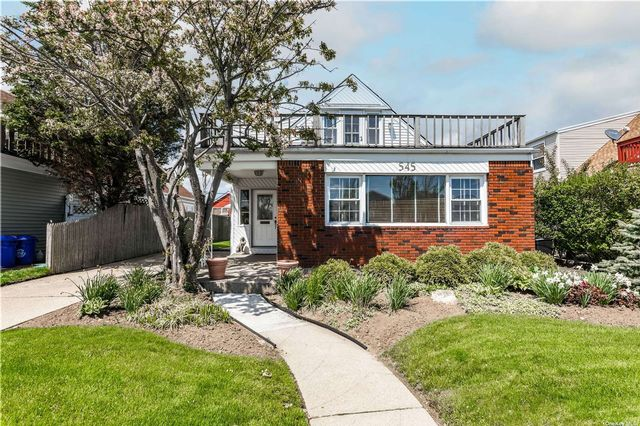 [Long Beach Real Estate, listing number 3185080]