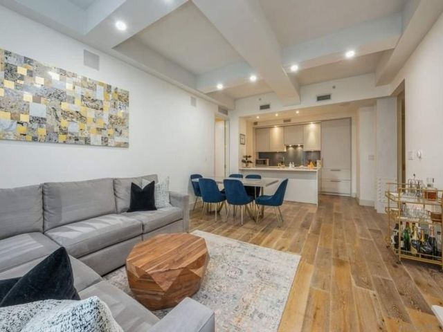 2 BR,  2.00 BTH High rise style home in NYC - West Village