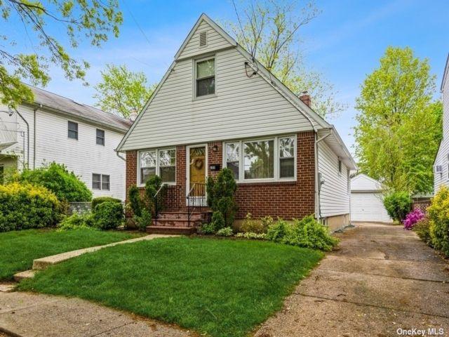 [New Hyde Park Real Estate, listing number 3185686]