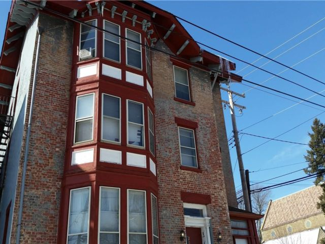 8 BR,  6.00 BTH Apartment style home in Newburgh City