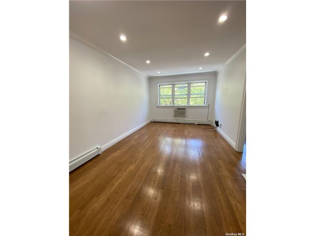 [Fresh Meadows Real Estate, listing number 3186222]