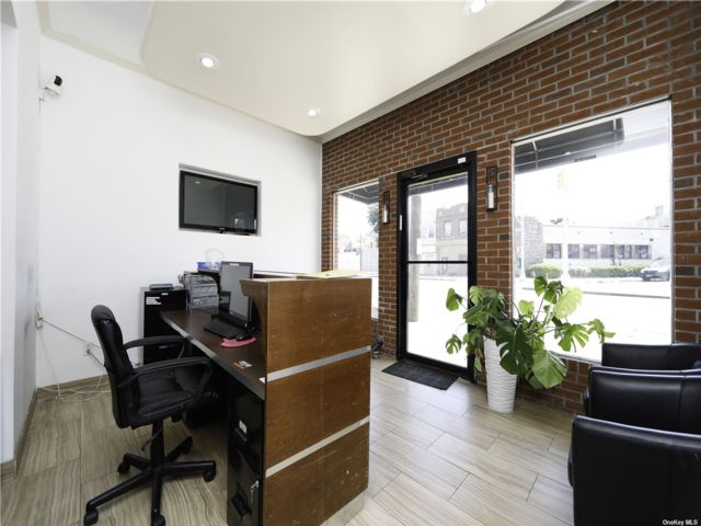 Studio,  0.00 BTH Commercial style home in Hollis
