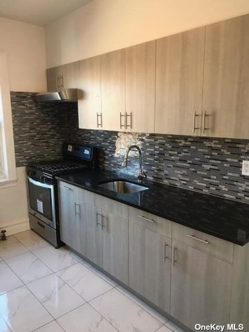 2 BR,  1.00 BTH Apt in house style home in Jackson Heights