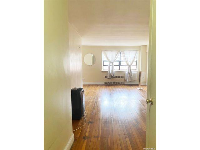 [Elmhurst Real Estate, listing number 3186756]