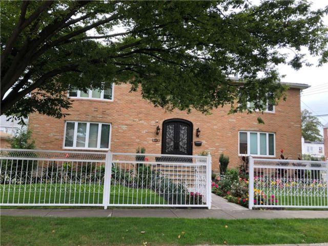 6 BR,  6.00 BTH Contemporary style home in Whitestone