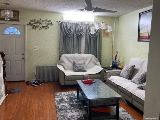 4 BR,  3.00 BTH 2 story style home in Richmond Hill