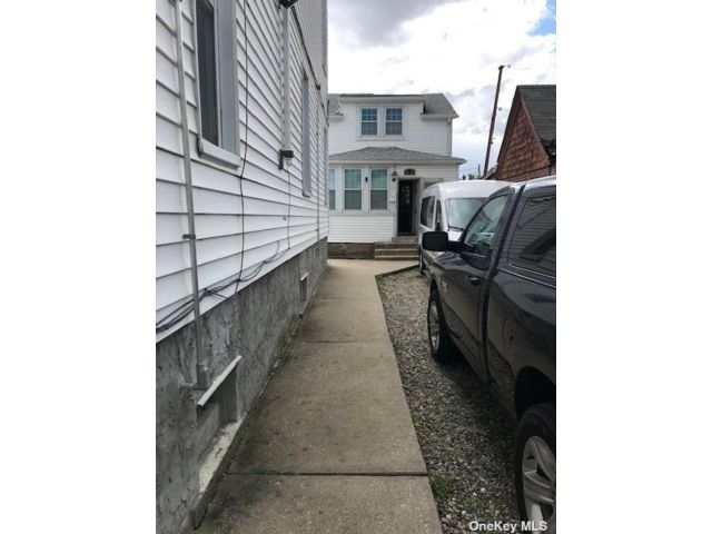 2 BR,  2.00 BTH 2 story style home in College Point