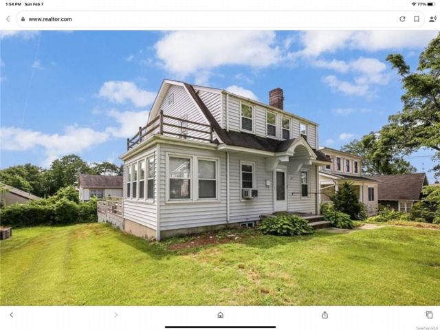 3 BR,  3.00 BTH Colonial style home in Scarsdale