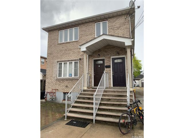 3 BR,  2.00 BTH Apt in house style home in Richmond Hill