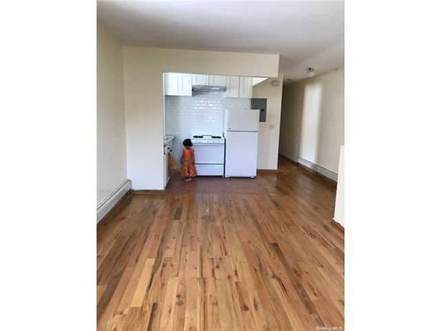 3 BR,  2.00 BTH Apt in house style home in Jamaica