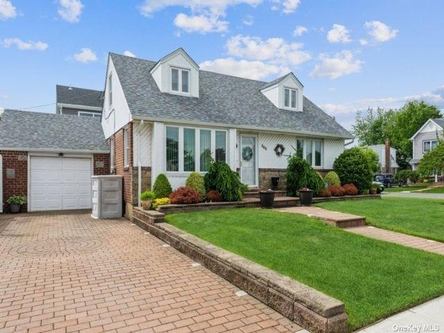[Franklin Square Real Estate, listing number 3187831]