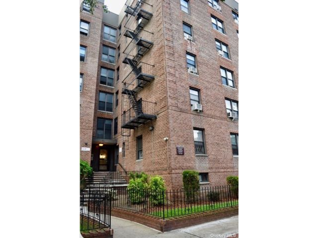 [Jackson Heights Real Estate, listing number 3187880]