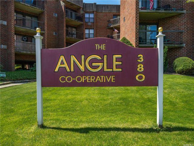 [Farmingdale Real Estate, listing number 3187914]