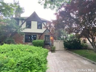 3 BR,  3.00 BTH Tudor style home in Flushing