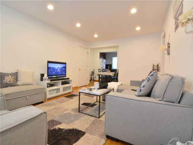 1 BR,  1.00 BTH Garden apartmen style home in Flushing