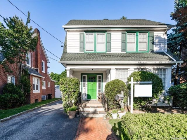 4 BR,  3.00 BTH Colonial style home in Lynbrook