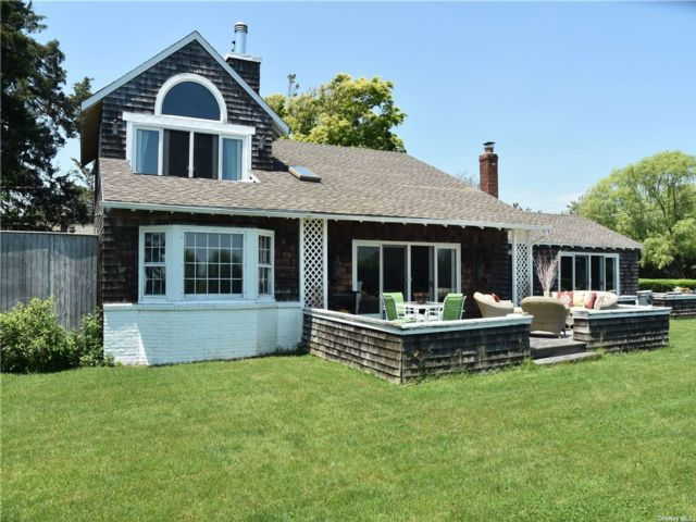 3 BR,  2.00 BTH Farm ranch style home in East Patchogue