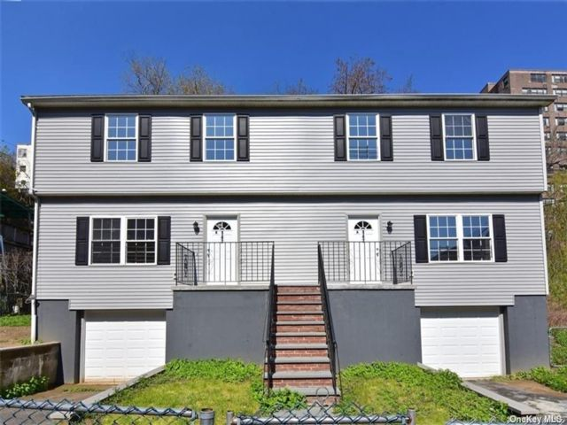 6 BR,  4.00 BTH 2 story style home in Yonkers