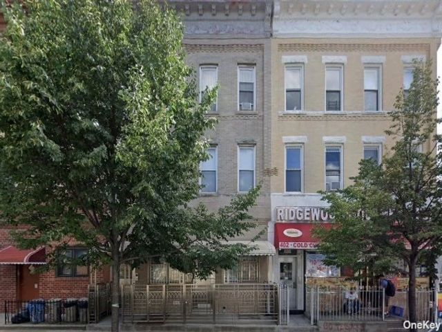 20 BR, 15.00 BTH Apartment style home in Ridgewood
