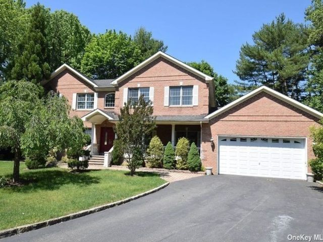 5 BR,  5.00 BTH Post modern style home in Glen Cove
