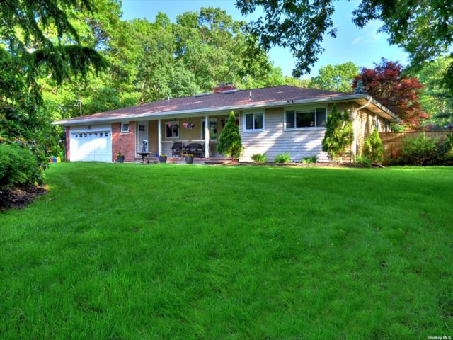 3 BR,  3.00 BTH Ranch style home in Medford