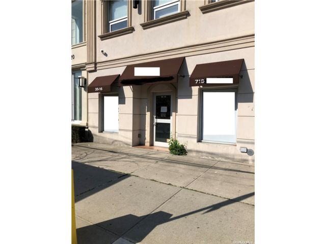Studio,  0.00 BTH Commercial style home in Bayside