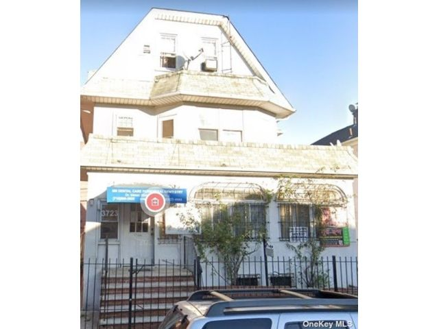 Studio,  0.00 BTH Commercial style home in Jackson Heights