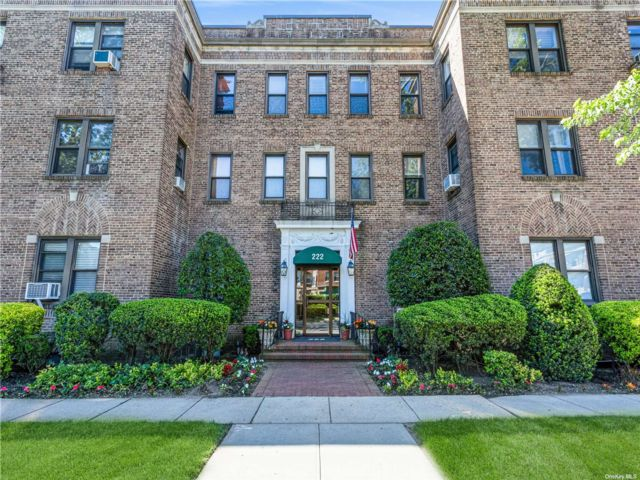 1 BR,  1.00 BTH Other style home in Garden City