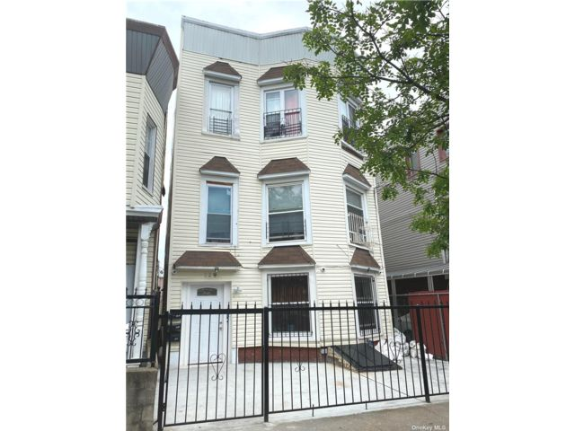 9 BR,  3.00 BTH Other style home in East New York