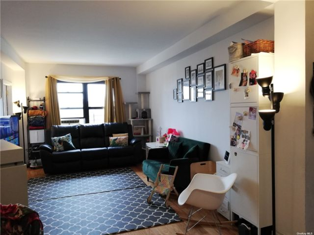 3 BR,  2.00 BTH Mid rise style home in Rego Park