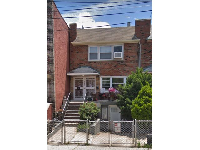 3 BR,  1.00 BTH Townhouse style home in Ozone Park