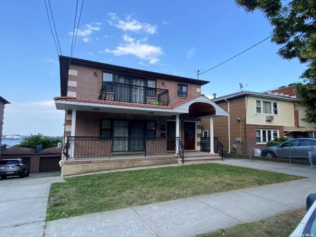 6 BR,  5.00 BTH Colonial style home in East Elmhurst