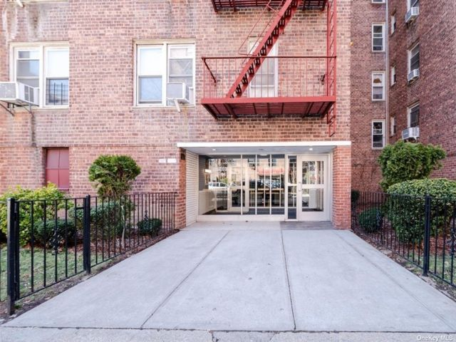 [Jackson Heights Real Estate, listing number 3189125]