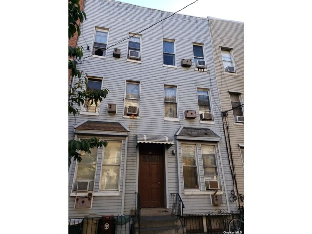 12 BR,  7.00 BTH Contemporary style home in Greenpoint
