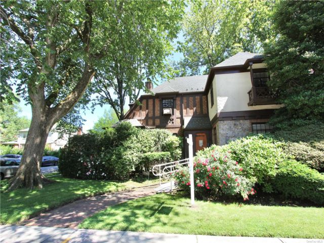 4 BR,  3.00 BTH Tudor style home in Flushing