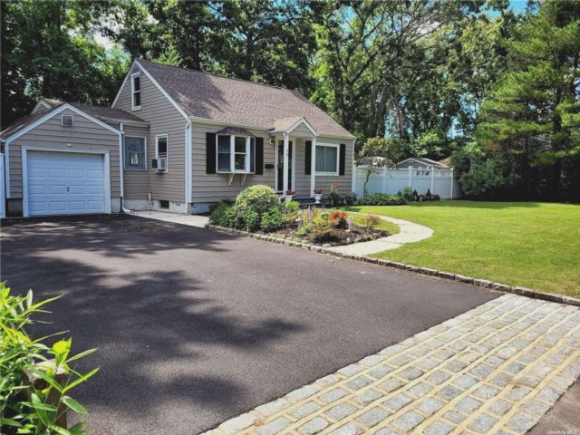 3 BR,  1.00 BTH Exp ranch style home in Bay Shore