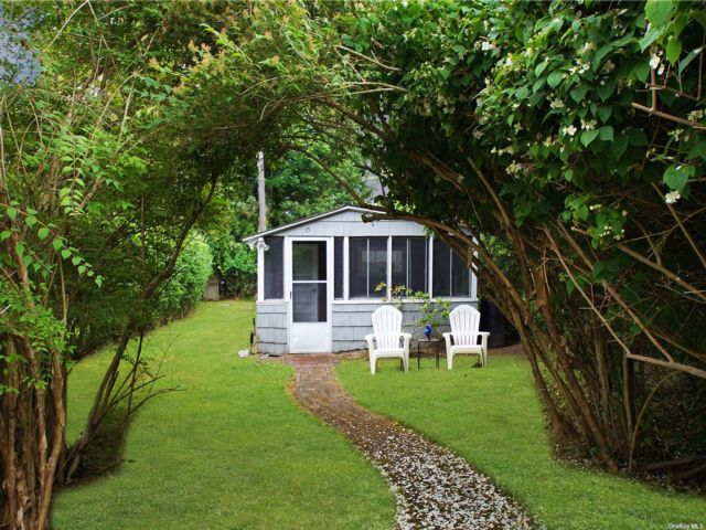 1 BR,  1.00 BTH Cottage style home in Quogue