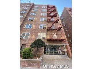 [Jackson Heights Real Estate, listing number 3189497]