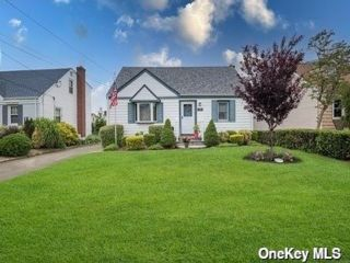 [Wantagh Real Estate, listing number 3189545]