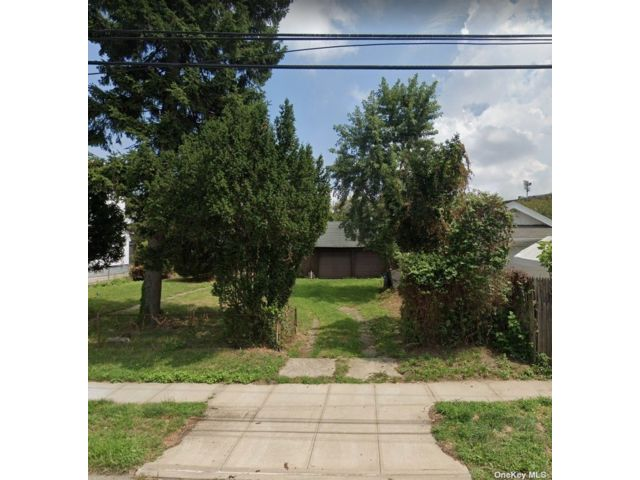 Lot <b>Size:</b> 60x100 Land style home in Hillcrest (queens)