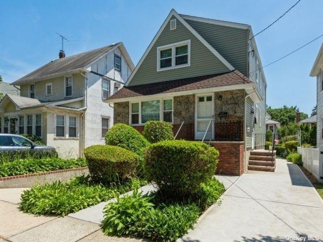 [Floral Park Real Estate, listing number 3189998]