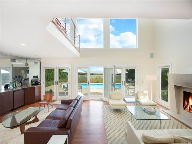 4 BR,  4.00 BTH Post modern style home in Westhampton Bch