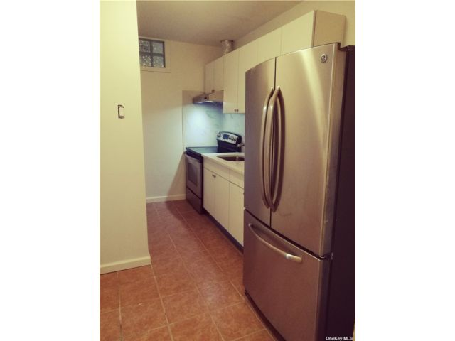 2 BR,  1.00 BTH Apt in house style home in New Rochelle